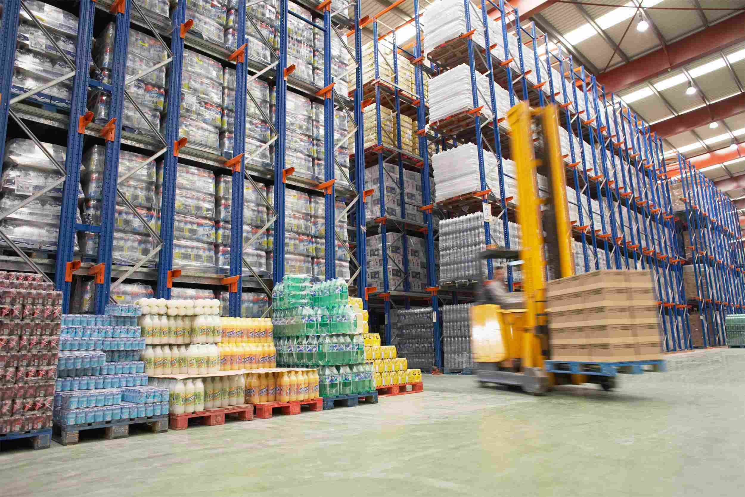 https://www.omicmyanmar.com/wp-content/uploads/2015/09/Warehouse-and-lifter.jpg