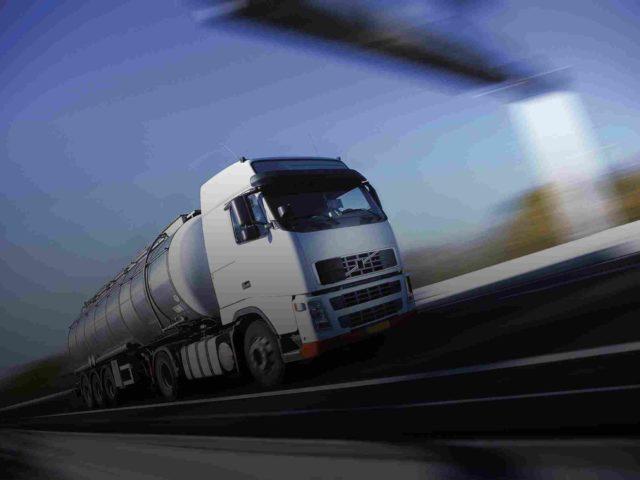 http://www.omicmyanmar.com/wp-content/uploads/2015/09/White-Truck-single-640x480.jpg
